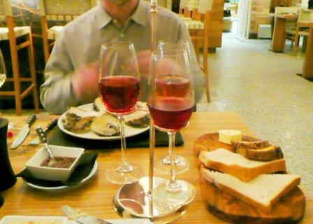 wine flight, bread
