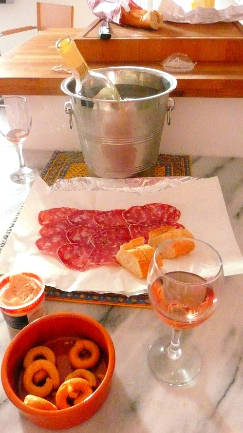 cotes de Provence, tarali, charcuterie, baguette, taramasalata